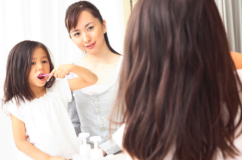 お子さまの歯磨きの仕方